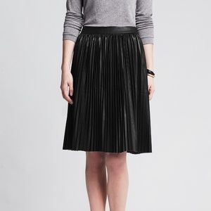 Banana Republic Pleated Faux Leather Skirt 2P